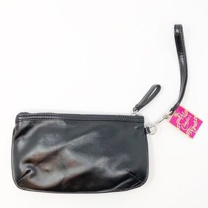 Candie's Bags - NWT Candie's Donna Bling Bow Black Wristlet🎀